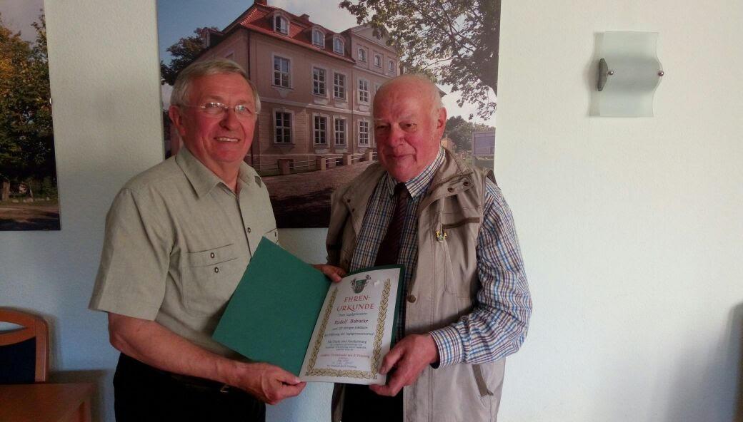 Rudolf Babucke mit Ehrenurkunde ausgezeichnet